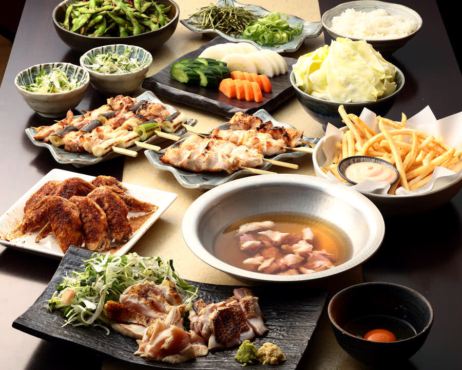 とりいちず 人形町店の鶏料理を満喫できる〈食べ放題×飲み放題コース〉